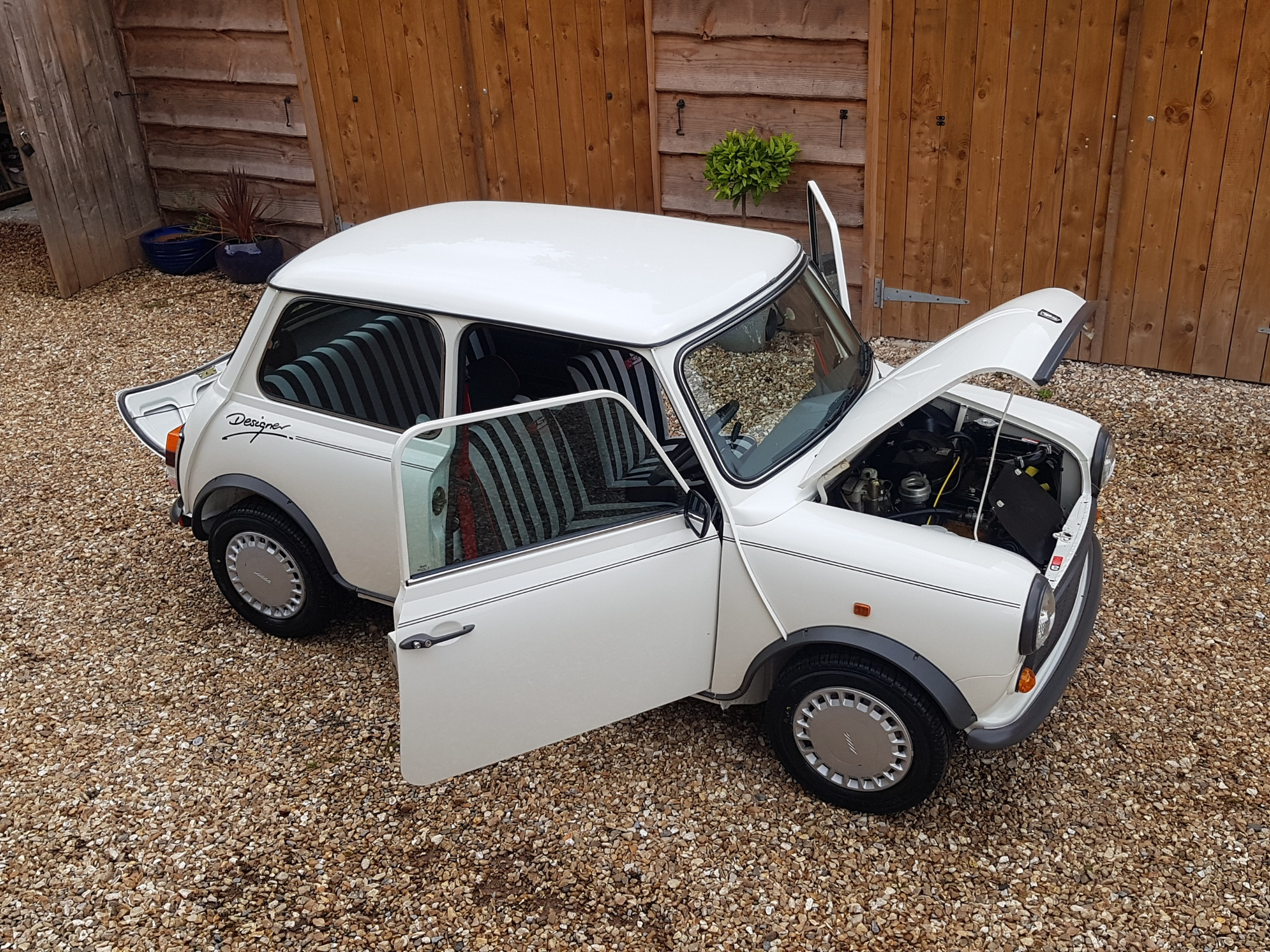 ** NOW SOLD ** 1988 Mary Quant Designer Mini. One Owner and Just 6900 Miles From New!