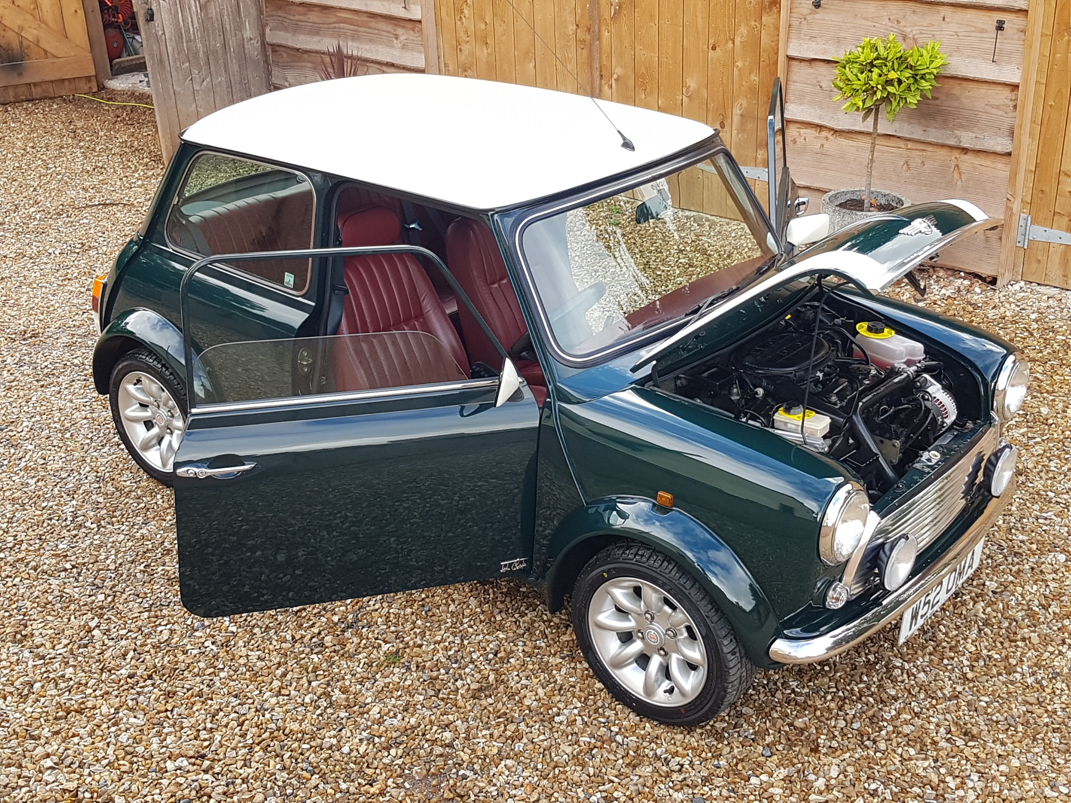 ** NOW SOLD ** 2000 Mini John Cooper LE Brooklands On Just 24900 Miles From New!