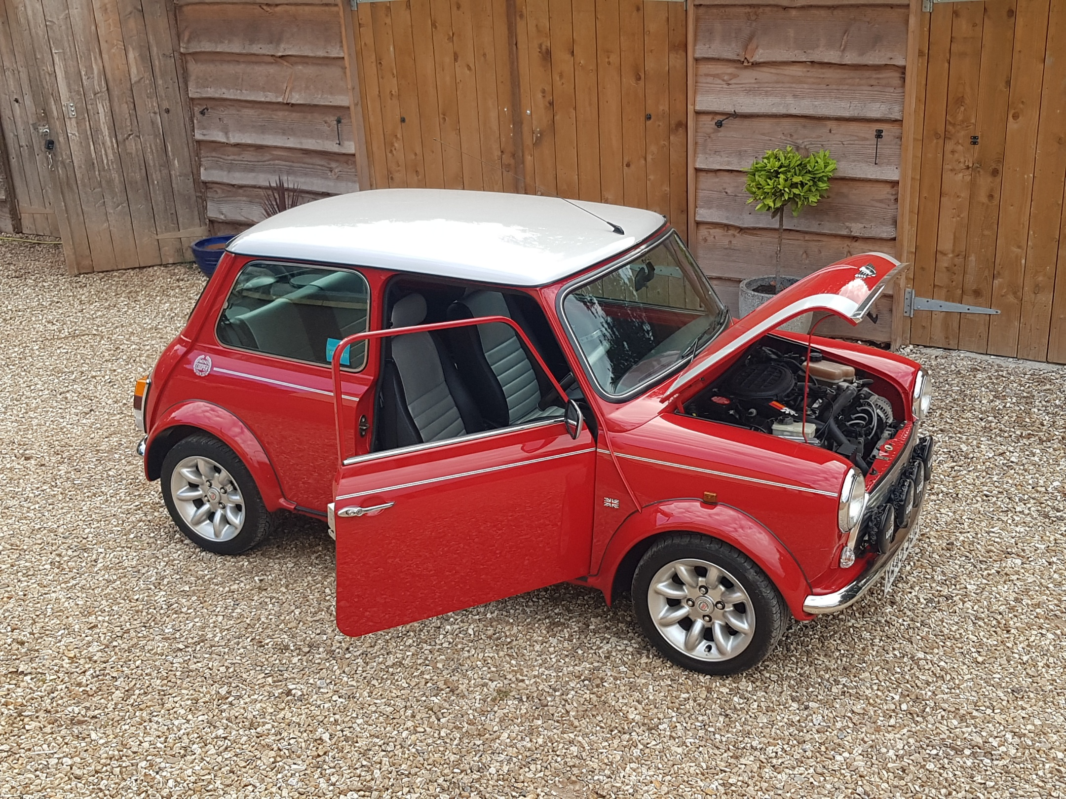 ** DEPOSIT PAID  ** 2000 Mini Cooper Sport On Just 24100 Miles From New!