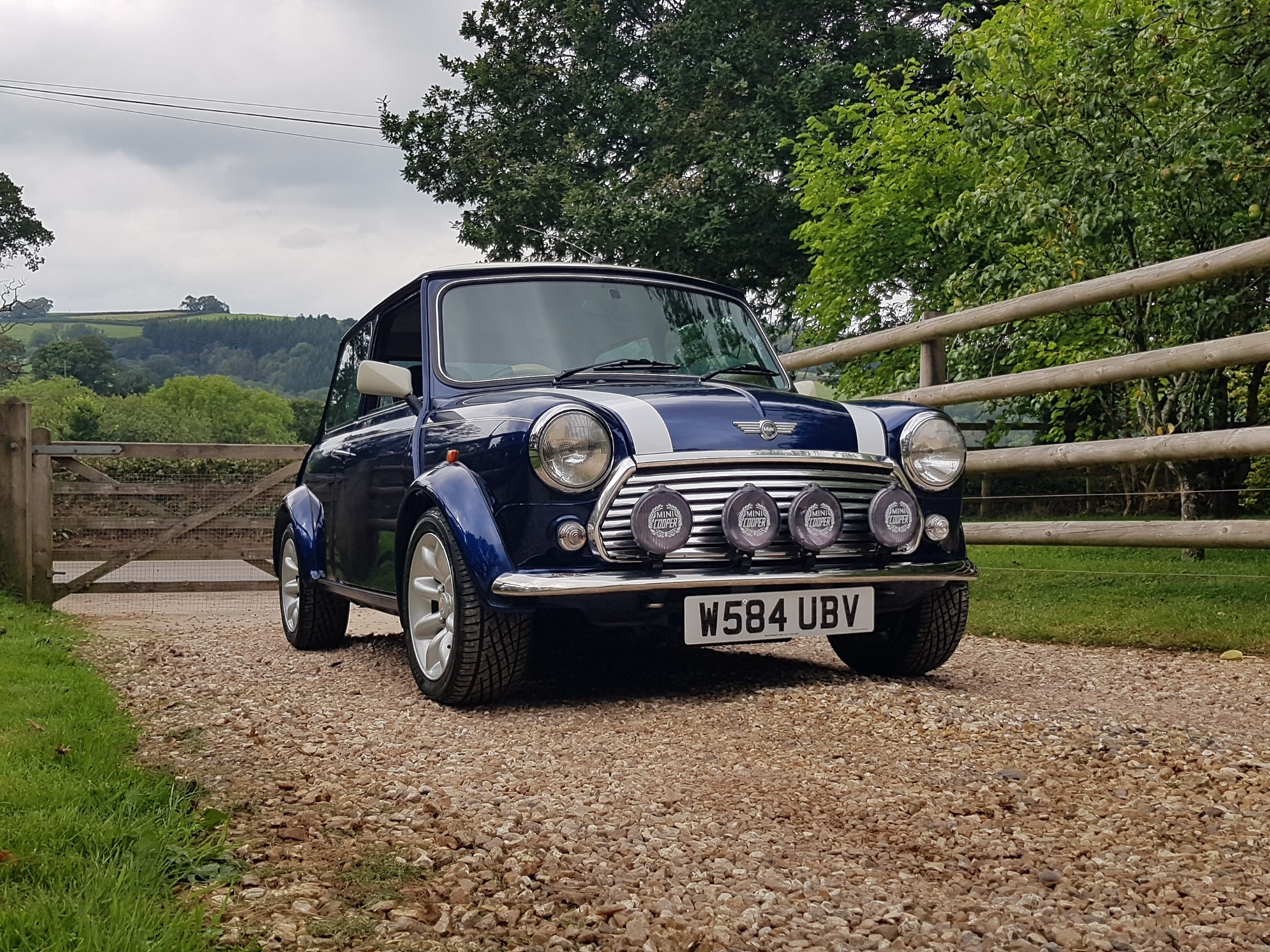 ** NOW SOLD ** 2000 Rover Mini Cooper Sport On Just 25750 Miles From New!